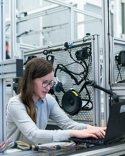 Competenze digitali, istruzione tecnica e discipline STEM: il PNRR un'occasione da non sprecare per progettare il futuro